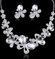 The bride jewelry Butterfly Necklace Pendant wedding accessories and explosion of foreign trade manufacturers selling suits