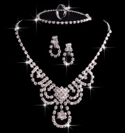 Foreign trade explosion, jewelry, bridal suit, crystal necklace, earrings, rings, suits, four sets of sets of jewelry wholesale