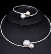 The bride wedding accessories crystal pearl diamond drill collar Necklace Bracelet Adjustable two piece suit