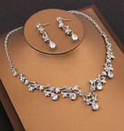 Korean fine and simple Bridal Necklace Set Earrings, two sets of Rhinestone Wedding Dress with jewelry accessories