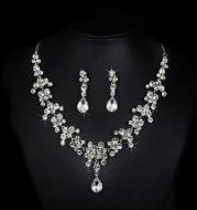 Korean wedding bride female diamond necklace earrings set water hot money supply accessories wholesale trade