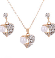 EBay popular special offer wholesale Peach Pearl Jewelry Set love pearl earrings necklace bride accessories
