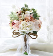Christmas gifts, wedding and gift products creative foreign trade, European and American outdoor style brides holding flowers D520