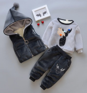 The baby clothes suit 2020 new 1 Boys 2 girls thick winter 0-4 at the age of 3 infants and children with three pieces of cashmere