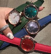Micro business burst lady watch four color optional disc type simple watch quartz watch student watch wholesale