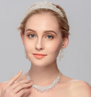 Bride's head ornament three pieces of Wedding Necklace Earring ornament suit