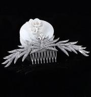 Korean bride headdress beautiful crystal leaves Europe Wedding Hair Comb crown diamond alloy plug