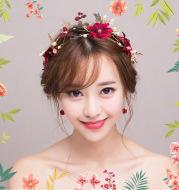 The new bride beautiful wedding headdress Hoop Earrings Handmade Korean wedding wedding accessories on behalf of a hair