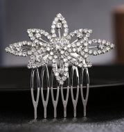 The new leaf shape comb comb wedding flower girl wearing exquisite diamond Tiara Comb child bride