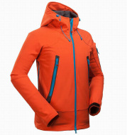 Men's outdoor mountaineering camping leisure sports rush garment and soft shell jacket wholesale price