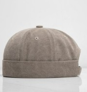 Lovers' dome with short cap and caps