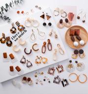 Simple and stylish acrylic geometric leopard stud earrings wooden earrings