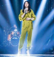2020 spring and summer new star Zhang Yihan with the same paragraph women's yellow high waist was thin loose tooling jumpsuit tide