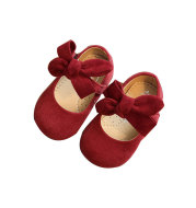 Spring and autumn model baby leather shoes Little princess soft bottom 1-3T old love bow girl can not afford to fall shoes