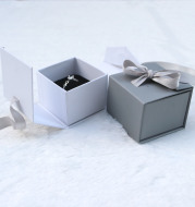 Ribbon bow jewelry box