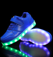 Glowing children's shoes