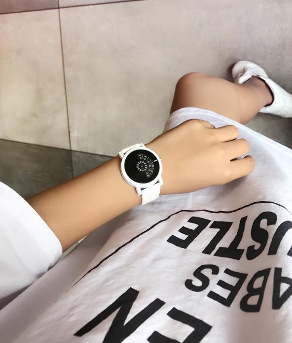 High-quality quartz movement luxury watch white colored