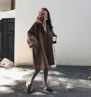 Long coat in woolen coat
