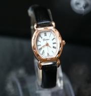 2016 New Ladies Watch small Quartz Bracelet Watch watch belt exquisite non mechanical watches