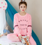 Autumn and winter new cute cartoon pajamas, ladies new casual comfortable long sleeve pants home suit