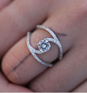 Fashionable Gorgeous Zircon Curved Rings Women's Engagement Wedding Rings