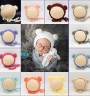 Photo knitted wool hat for newborn baby