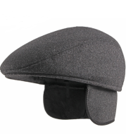 Fleece beret with ear protection