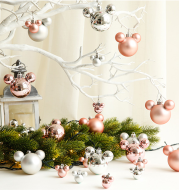 Christmas Ornaments Cute Gifts Reindeer Balls Stars Gingerbread Man Christmas Pendant Ornaments Charm