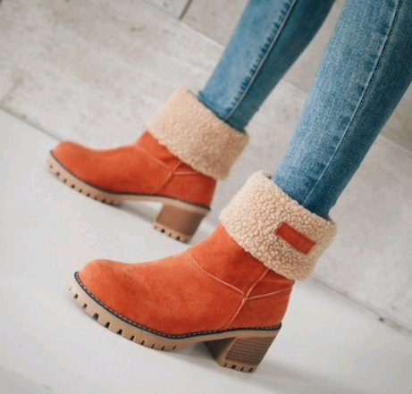 Snow Boots red color