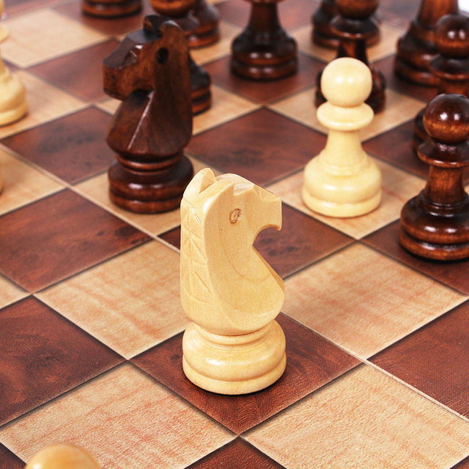 Wooden Chess Game playing methods